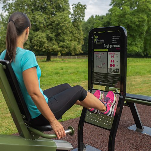 Hotel gym membership wiltshire lucknam park spa hotel for Chippenham outdoor swimming pool